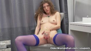 Canadian Milf Janice Rubs Her Mature Pussy PornZek.Com
